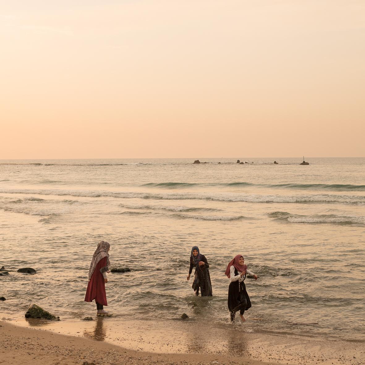 Badende Frauen bei Sonnenuntergang 1, Jaffa