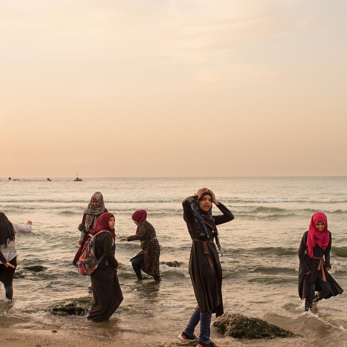 Badende Frauen bei Sonnenuntergang 2, Jaffa