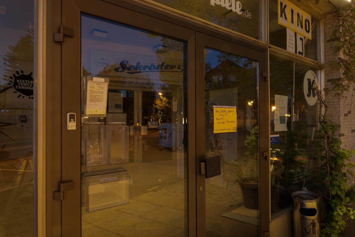 Neue Kammerspiele Kleinmachnow Eingang