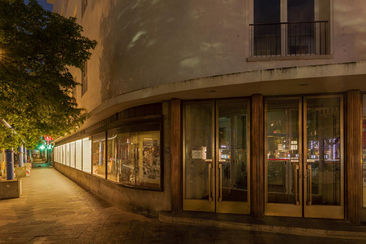 Cinema Paris Eingang